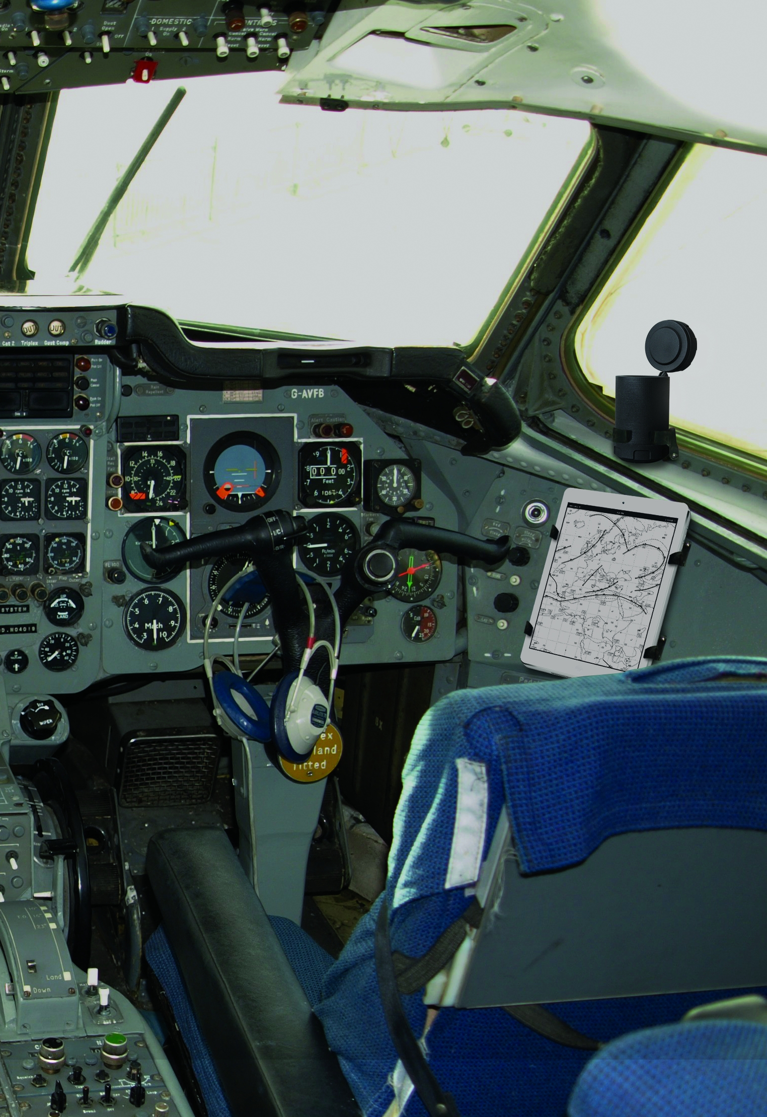 airmod_cockpit_zoom.jpg
