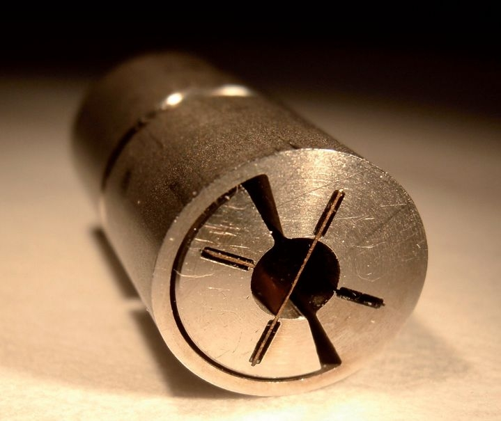 Pivot flexible à lames collées