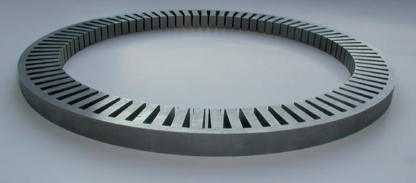 Circuit magnétique feuilleté de stator