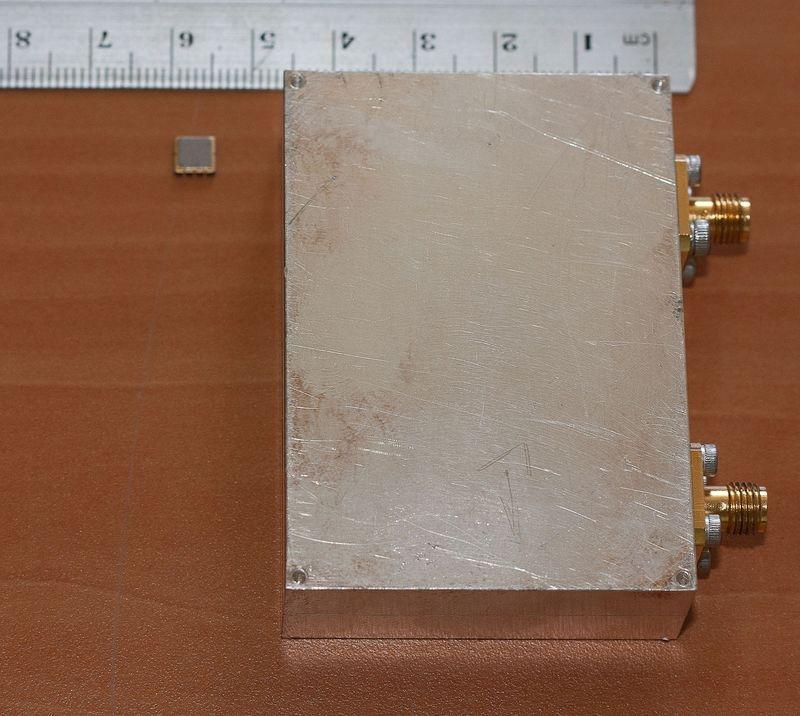 Gain de taille réalisé par le changement de technologie de filtre pour un duplexeur UHF